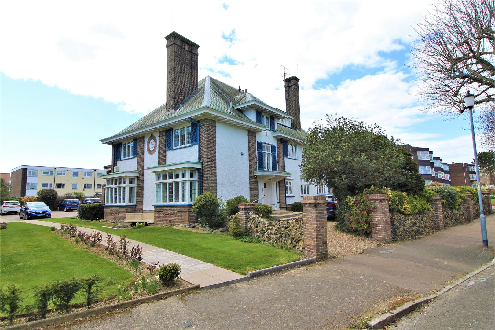 The Crescent, Frinton-On-Sea, Essex, CO13 9AR